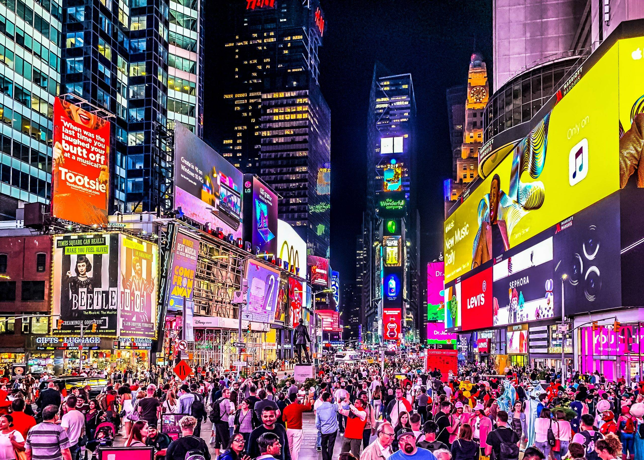 New York City is considering a 24 hours nightlife areas