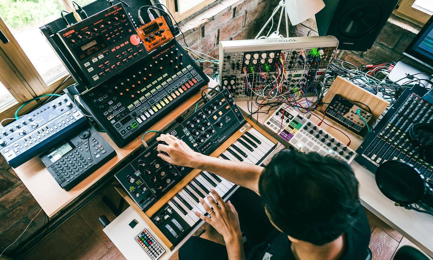 Take your music production to the next level with Alexis Cabrera's online courses