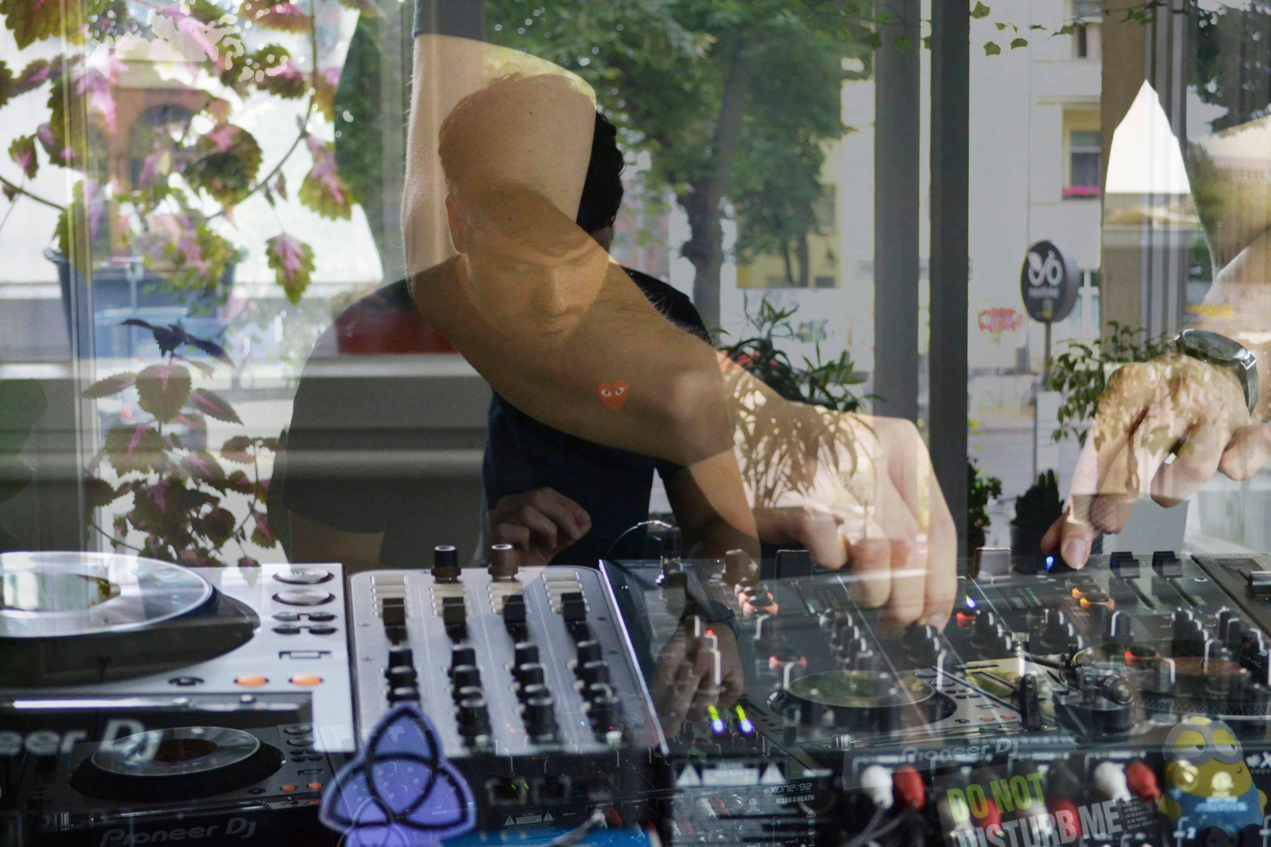Minimal House Mix by Isaac Elejalde @ Zu Studio – 27/09/21